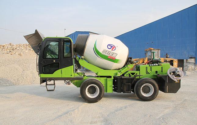 小型混凝土搅拌车的加油系统该如何维护?