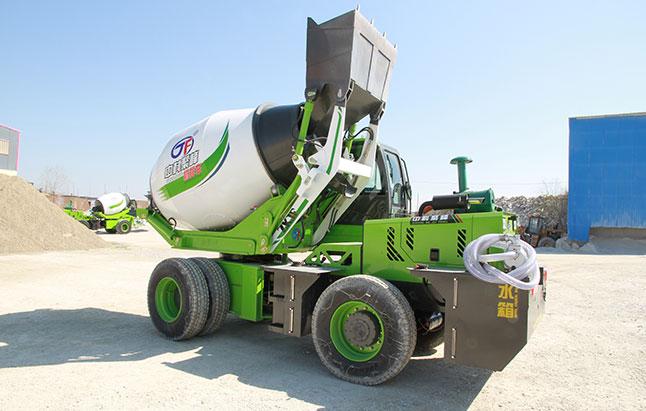 自动装载移动式混凝土搅拌车介绍